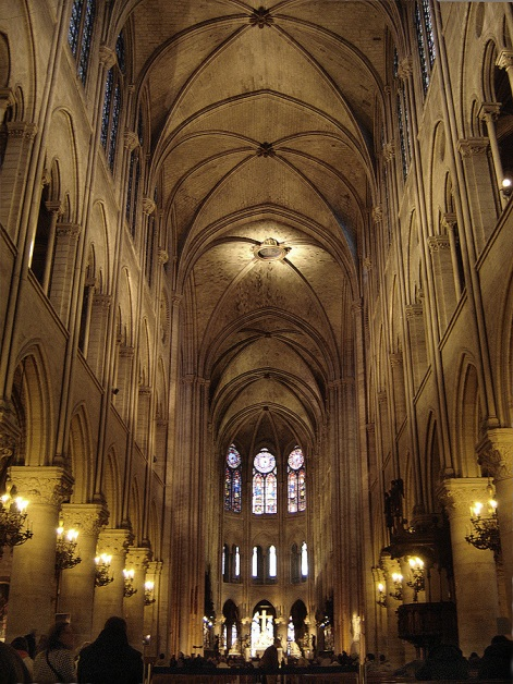Paris_Notre-Dame_cathedral_interior_nave_east_01a